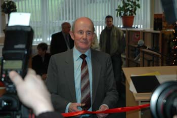 Pictured above is Mr Warde cutting the ribbon and officially opening the library